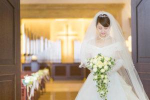 花嫁とチャペル
