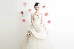 ウエディングドレスを着た花嫁